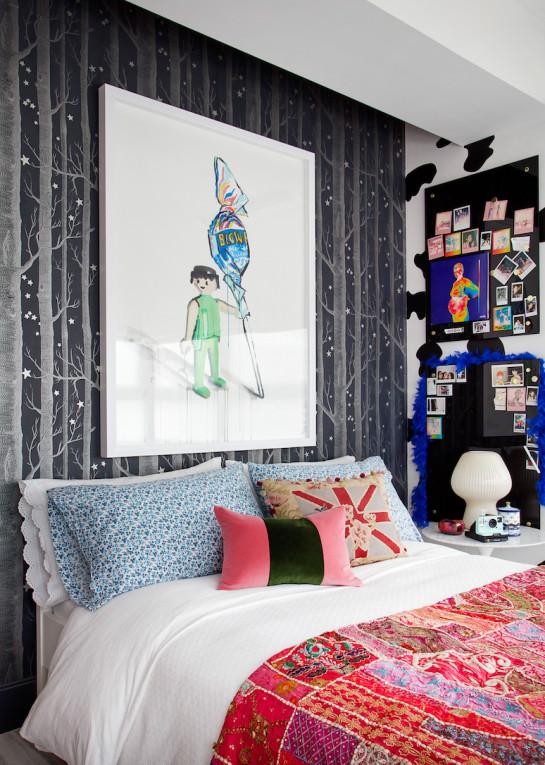 bedroom-design-large-artwork-kids-teens-room